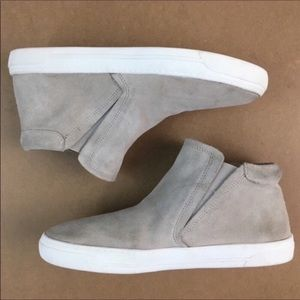 DOLCE VITA SUEDE PULL ON SNEAKERS IN SMOKE GREY 6